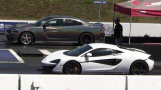 Hellcat vs McLaren – drag racing