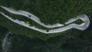 Ken Block's ClimbKhana 2, 914 HP Hoonitruck On China's Most Dangerous Road; Tianmen Mountain